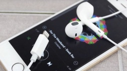Bim, Orjinal iPhone Şarj ve Kulaklık Satışı Yapıyor!