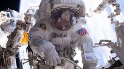 Kadın Astronot NASA'nın Rekorunu Kırdı Geçti!