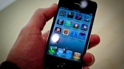 Mucize Telefon iPhone 4 Bir İlke İmza Attı!